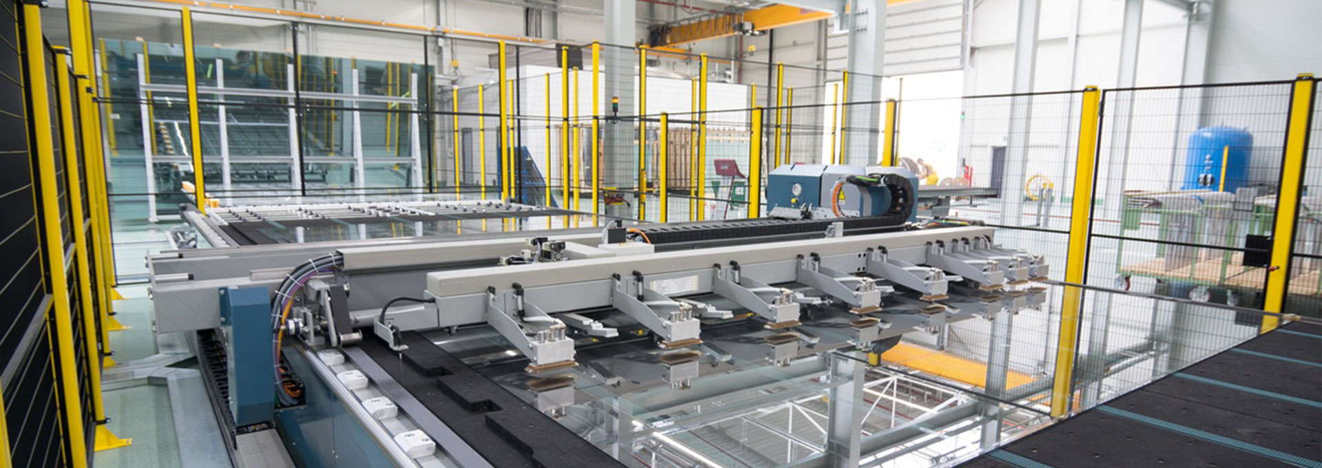 Float and laminated glass cutting machine (GFB/VB)